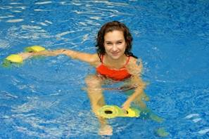 Swimming in water helps detoxify the body and thus may contribute to slow osteoporosis